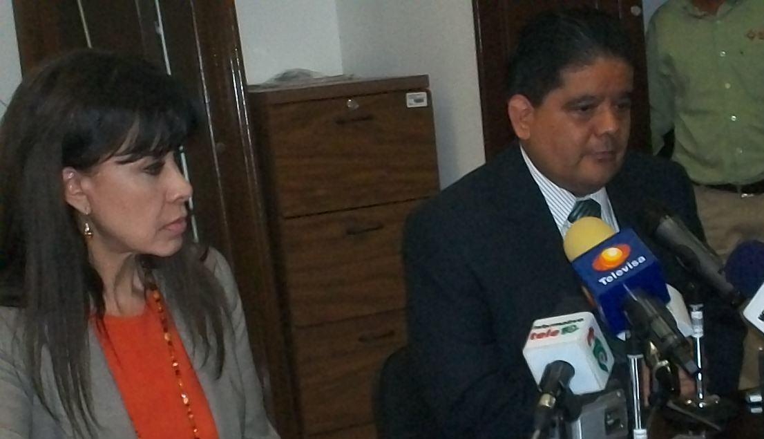 Por cuestiones políticas el PAN acusa a Roy de repartir condones en su campaña