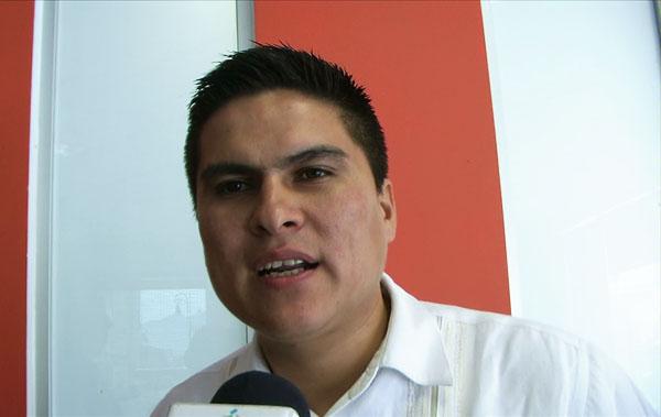 Está de fiesta el alcalde de Santiago Ixcuintla porque el PRI no le pudo quitar a los electores