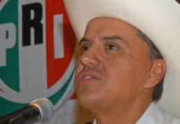 "Gobernador de Nayarit arma ""SNTE"" priista"