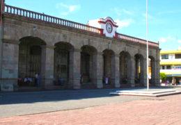 Sin sueldos regidores y funcionarios de Tepic
