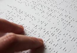 Ofrecen primaria en sistema Braille a invidentes