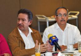 """""""Si Peña Nieto tratara al PRD y al PAN como lo hace Roberto Sandoval, no habría pacto por México""""."""