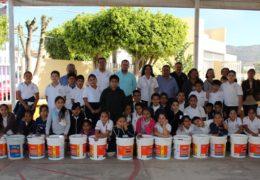 Con apoyo, contribuye el diputado González Barrios a mejorar la educación