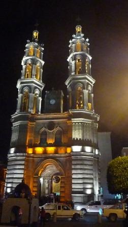 Para acabar pronto: no hay inversión del Estado en la catedral: Obispo