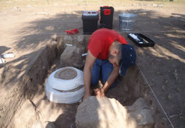En obras del Canal Centenario hallan urnas funerarias con más de mil años de antigüedad