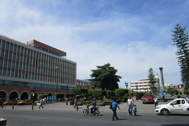 Rechazan proyecto de estacionamiento subterráneo en la plaza principal