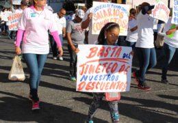 Por deuda del gobierno, docentes están en el Buró de Crédito