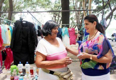 Con programa piloto, organizan tianguis para madres solteras y ancianos