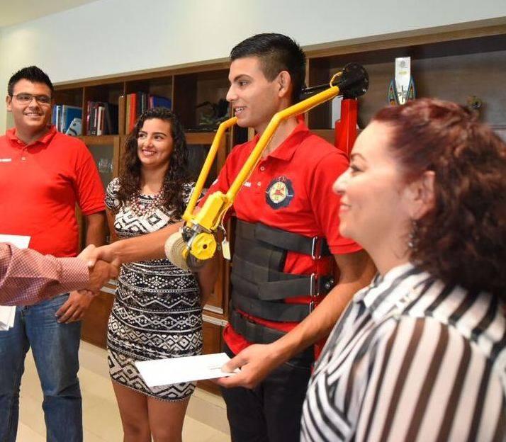 Estudiantes nayaritas participan en concurso internacional con diseño de prótesis de bajo costo