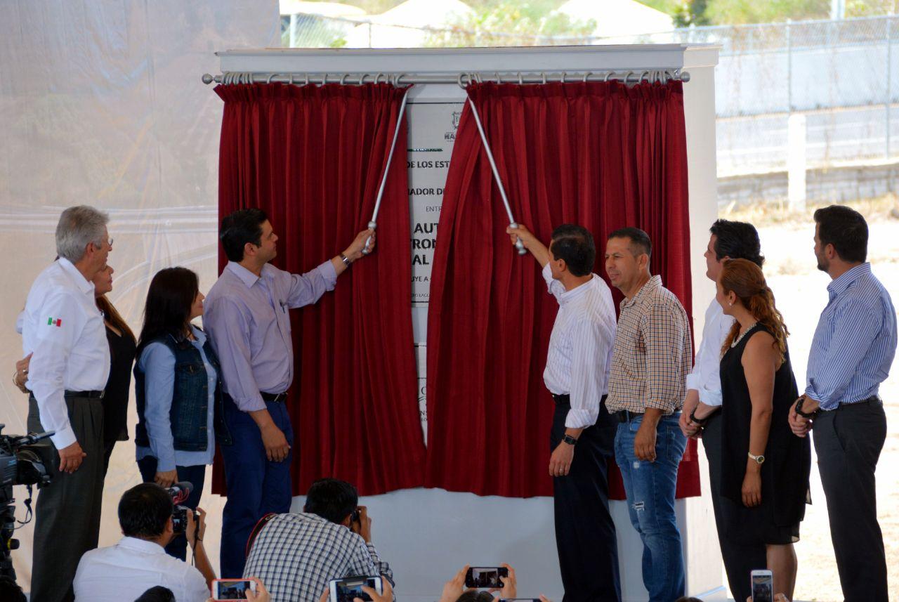 Inauguran Toño y Peña Nieto la autopista Jala-Compostela
