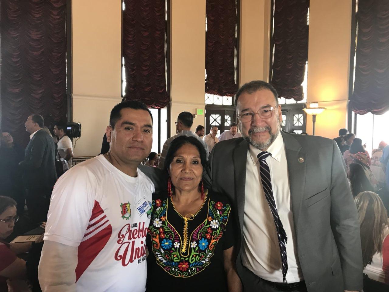 En emotivo reencuentro de familias en Los Ángeles, diputados proponen ley e instituto de migrantes