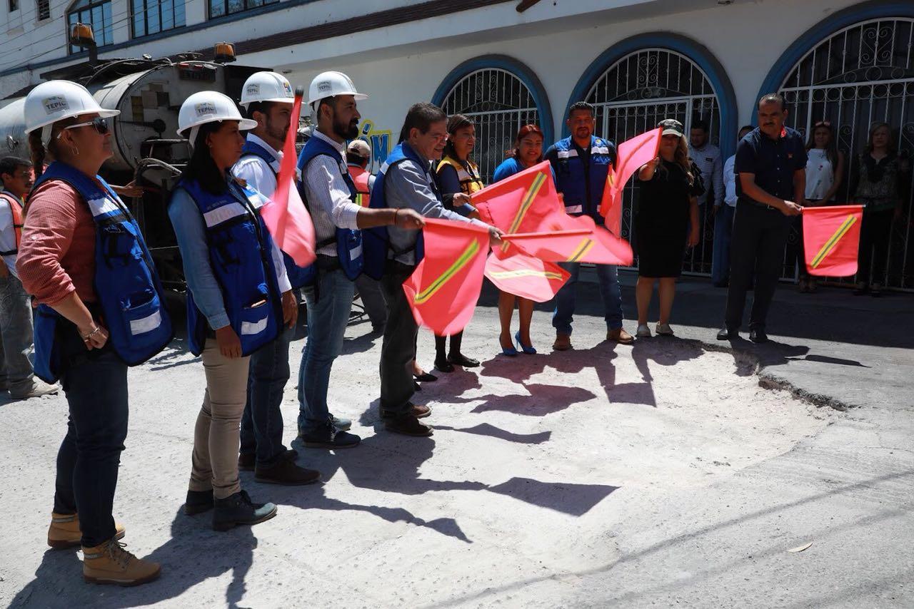 El presidente Castellón dio banderazo de inicio a programa de reencarpetamiento