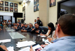Ayuntamiento de Tepic logra acuerdos con policías inconformes
