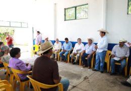 Ayuntamiento de Tepic entregó apoyos económicos a ganaderos tepicenses