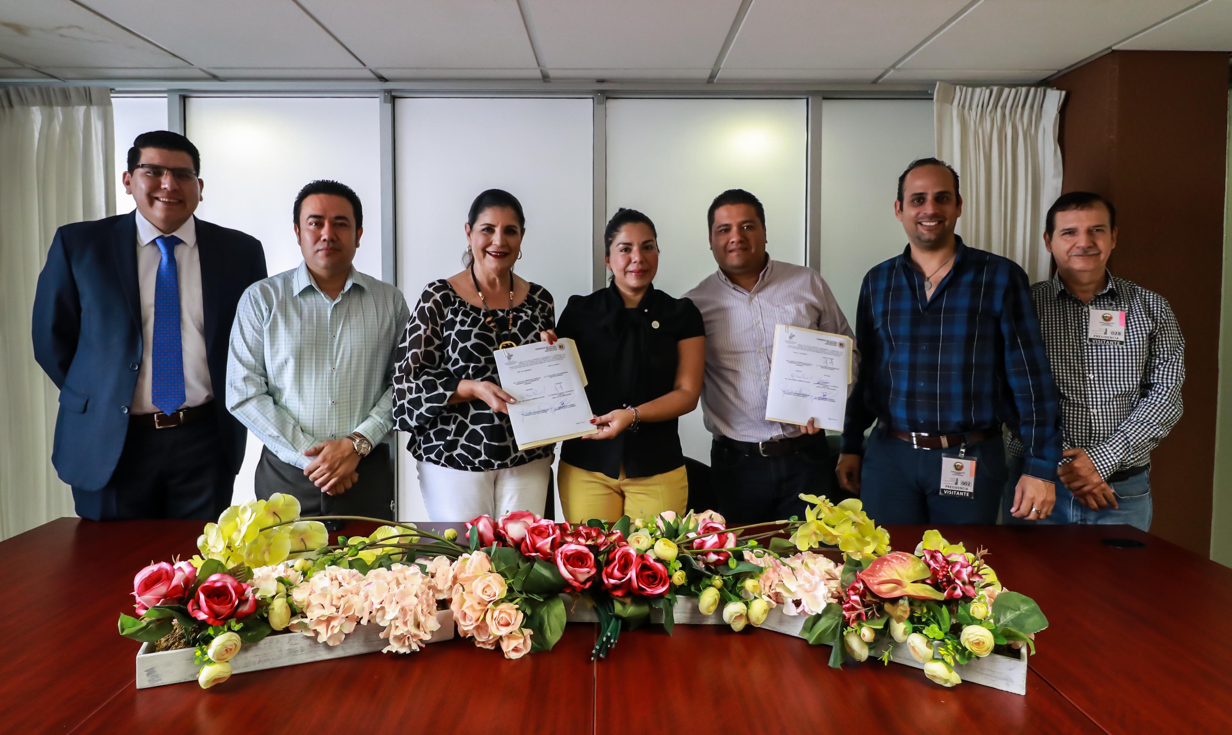 Firma Congreso convenio de colaboración con ICATEN