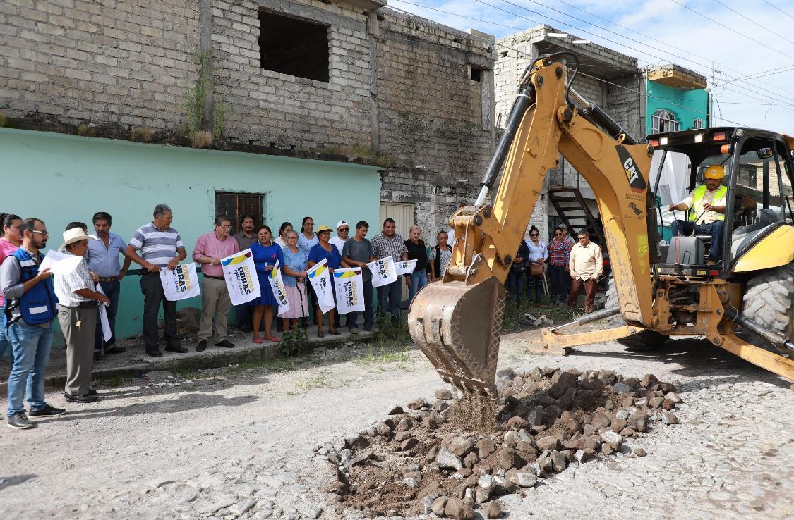 Ayuntamiento de Tepic entrega más de 10 mdp en obras para la Dos de Agosto y el CNIT