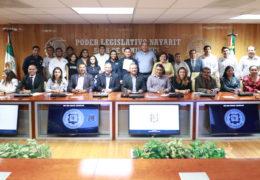 Recibe Congreso iniciativa de Ley de Movilidad y Transporte Sustentable de los universitarios