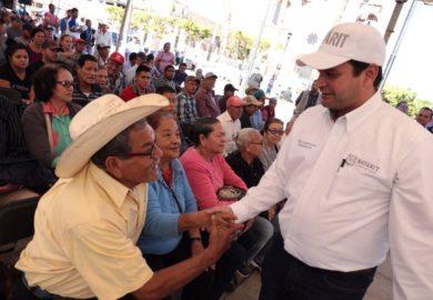 Entrega Toño apoyos por más de 11 millones de pesos en Tuxpan y San Blas