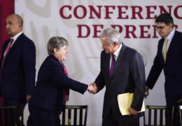 Convoca presidente a Estados Unidos a cooperar en desarrollo de Centroamérica y México para frenar migración