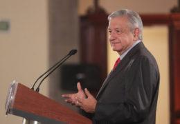 Presidente convoca a acto por la dignidad nacional