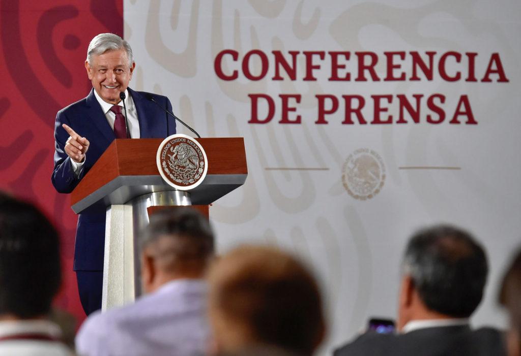 Presidente promete justicia a padres de Guardería ABC