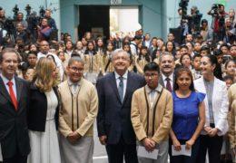 Educación es fundamental para el progreso con justicia, afirma presidente