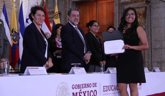 Entrega SEP becas a 315 jóvenes mexicanos para que continúen estudios de educación superior en Francia