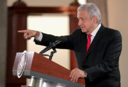 Pensiones a adultos mayores son un derecho universal, afirma presidente; Secretaría del Bienestar reporta avance del 93.6% en entrega