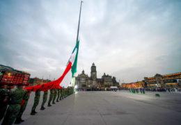 """Presidente honra a víctimas de sismos y a mexicanos solidarios; en protección civil """"estamos preparados"""", asegura"""