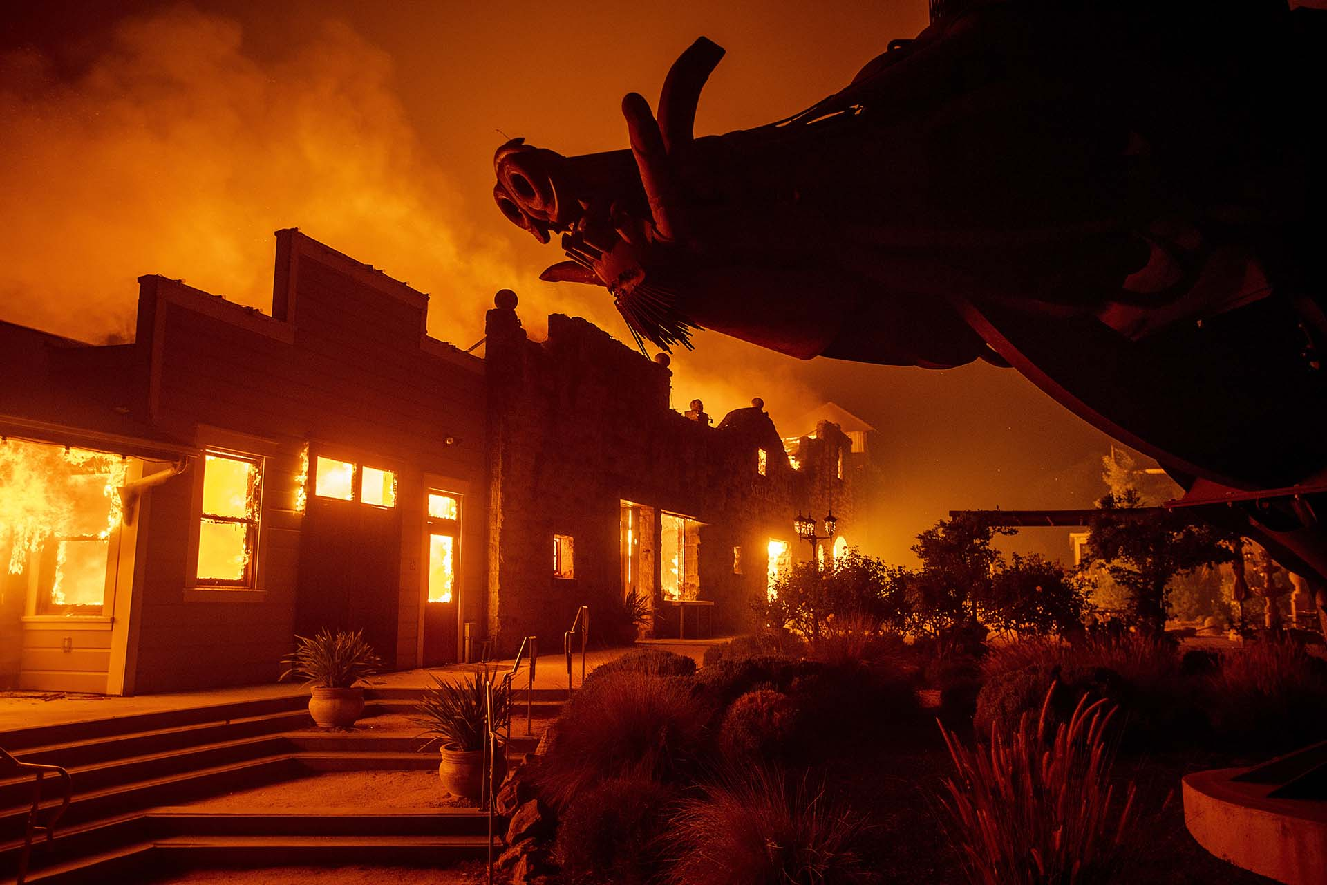 Emergencia en California. Incendios provocan devastación y evacuaciones
