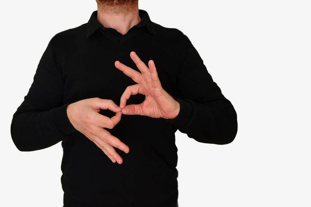 Proponen capacitar al personal de salud en lenguaje de señas