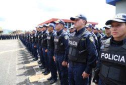 Alistan plan para mejorar salario de policías