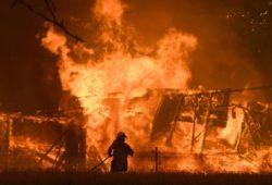 Australia reactiva alerta de peligro por reavivamiento de incendios
