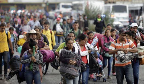 Migración regresa a 110 migrantes a Honduras