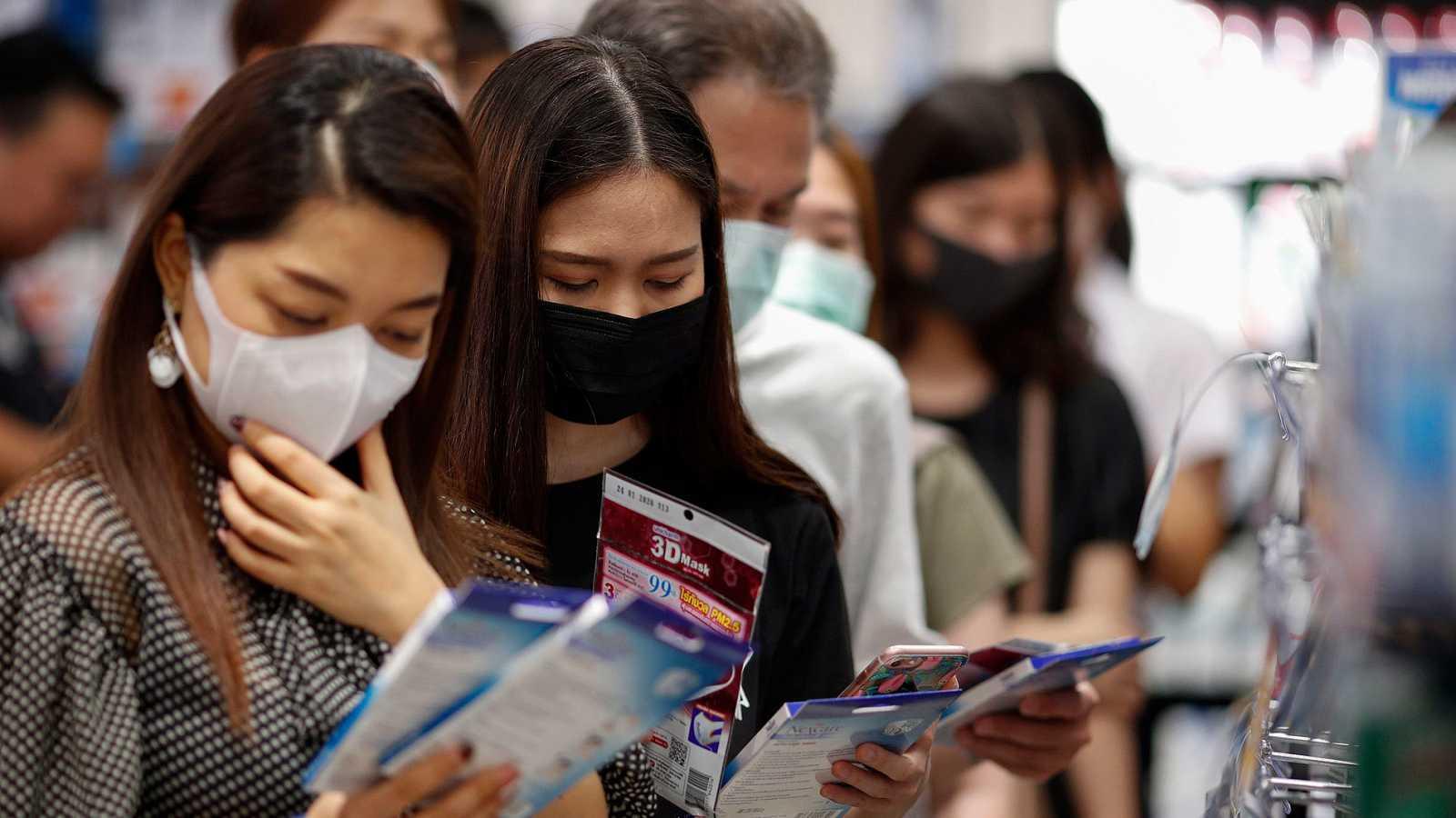 Aumenta a dos mil 800 las muertes por coronavirus en el mundo
