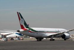 Empresarios ponen $1,500 mdp para 3 millones de cachitos del avión