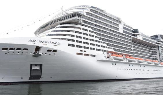 Sanidad Internacional revisa a pasajeros del crucero Meraviglia