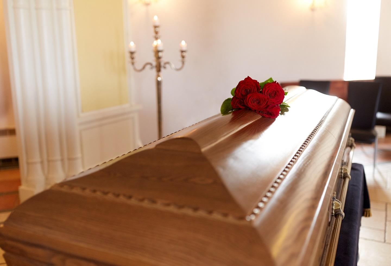Funerarias cobran hasta $50 mil por muertos de Covid-19