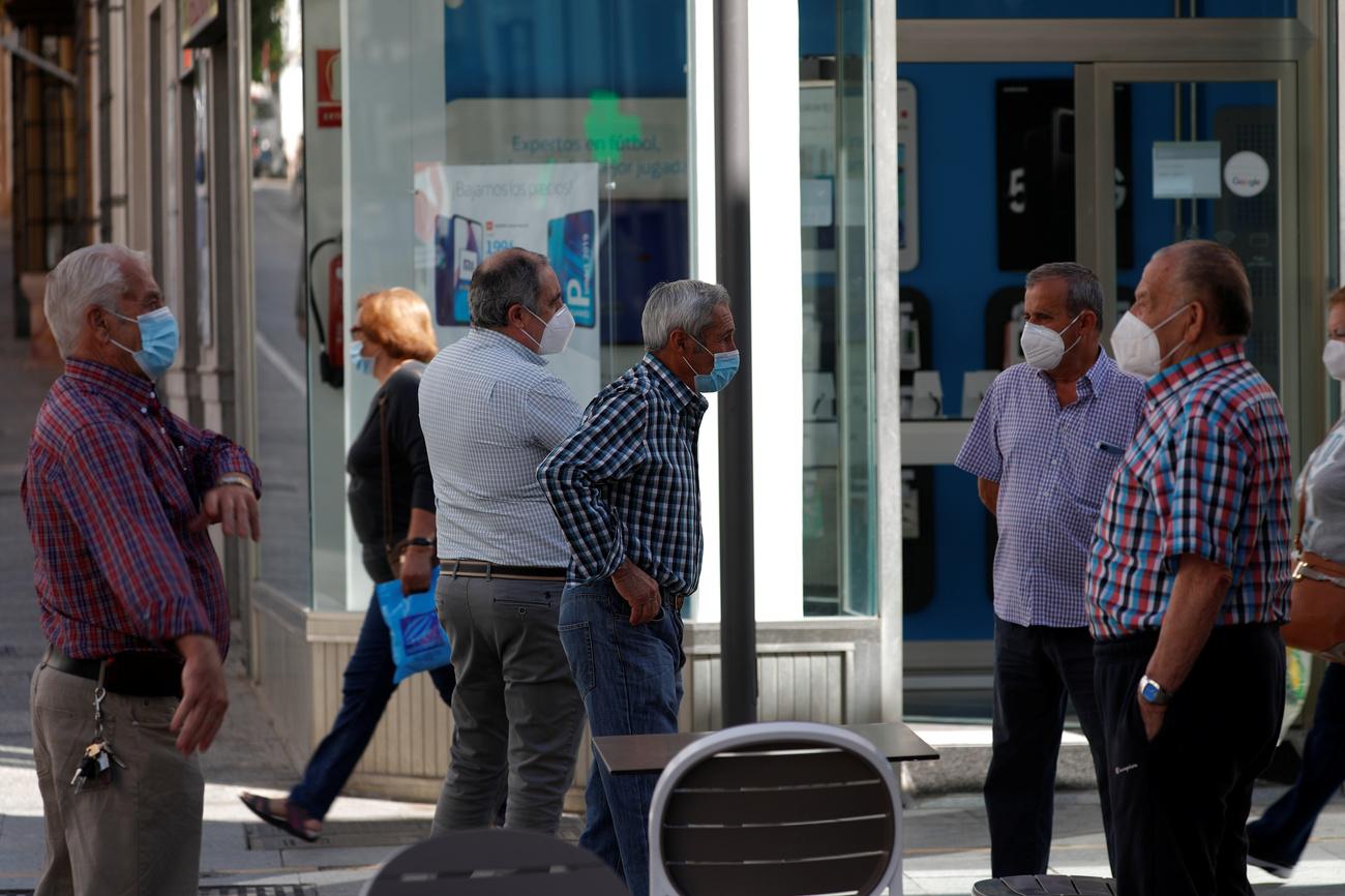España anuncia fin de cuarentena a viajeros del extranjero en julio
