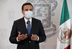 Gobernador de Michoacán da positivo a covid